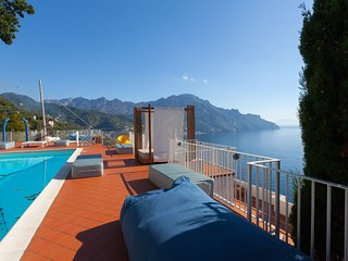 San Cosma Villa Sleeps 9 with Pool Air Con and WiFi - 5248249