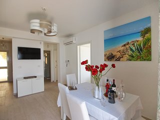 Taormina Apartment Sleeps 6 with Air Con and WiFi - 5680230