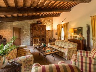 Pozzo Ciolino Villa Sleeps 10 with Pool Air Con and WiFi - 5247507