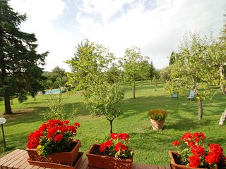 Ticchiano Villa Sleeps 10 with Pool Air Con and WiFi - 5247783