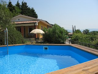 3 bedroom Villa with Pool, WiFi and Walk to Shops - 5248567