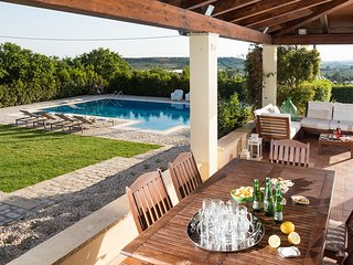Casale Modica Villa Sleeps 6 with Pool Air Con and WiFi - 5310580