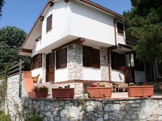 2 bedroom Villa with Pool and WiFi - 5247489