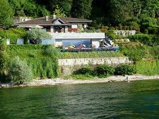 Ispra Villa Sleeps 8 with Pool Air Con and WiFi - 5248362