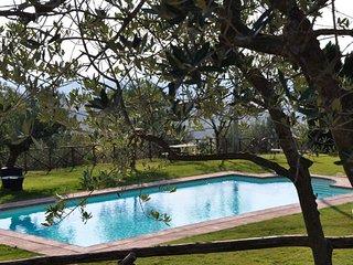 Monte l'Agello Villa Sleeps 12 with Pool Air Con and WiFi - 5312797