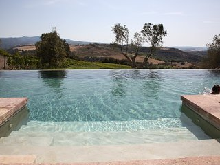 Sant'Antimo Villa Sleeps 8 with Pool Air Con and WiFi - 5311120