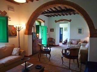 Pietrasanta Villa Sleeps 6 with Pool and WiFi - 5247880