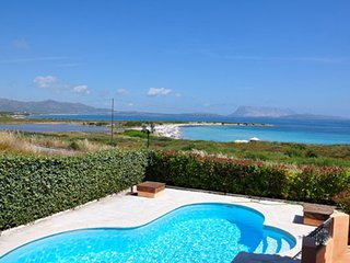 San Teodoro Villa Sleeps 14 with Pool Air Con and WiFi - 5248009