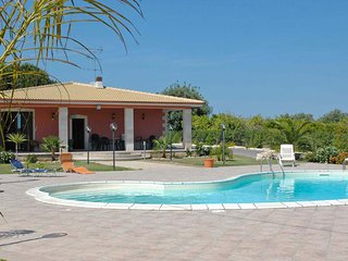 4 bedroom Villa with Pool, Air Con and WiFi - 5247404