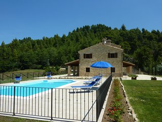 Croce Rossa Villa Sleeps 8 with Pool and WiFi - 5247953