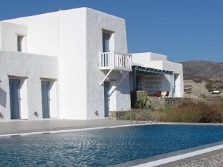 Donoussa Villa Sleeps 8 with Pool Air Con and WiFi - 5252057