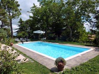 Santa Vittoria in Matenano Villa Sleeps 9 with Pool and WiFi - 5247965