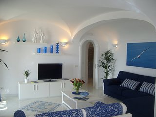 Praiano Villa Sleeps 4 with Pool Air Con and WiFi - 5248310