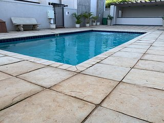 Harrod's Retreat | Modern Apartment | Central Umhlanga | Pool | Beach