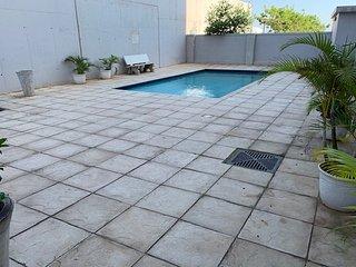 Ferguson's Retreat | Modern Apartment | Central Umhlanga | Pool | Beach