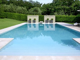 Macereto Villa Sleeps 8 with Pool Air Con and WiFi - 5312306