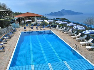 Marina del Cantone Apartment Sleeps 4 with Pool Air Con and WiFi - 5248197