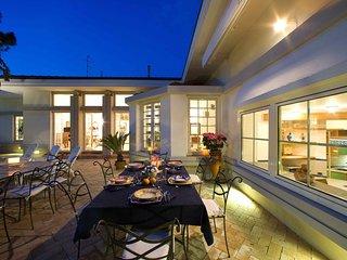 Sorrento Villa Sleeps 10 with Pool Air Con and WiFi - 5248168