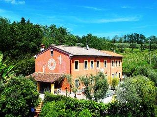 San Colombano Villa Sleeps 20 with Pool Air Con and WiFi - 5312302