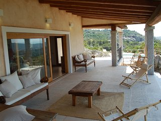 Baja Sardinia Villa Sleeps 10 with Pool Air Con and WiFi - 5248019