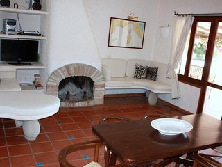 Torre delle Stelle Villa Sleeps 6 with Pool Air Con and WiFi - 5248042