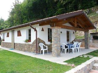 Sant'Anna Villa Sleeps 6 with Pool and WiFi - 5247697