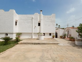 Torre a Mare Villa Sleeps 13 with Pool Air Con and WiFi - 5248085