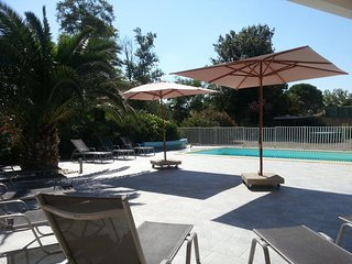 2 bedroom Apartment with Pool, Air Con and WiFi - 5311404