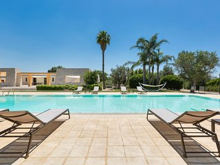 6 bedroom Villa with Pool and Air Con - 5743361