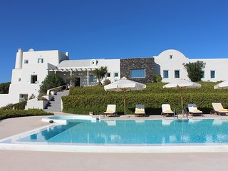 Kapparies Villa Sleeps 12 with Pool and Air Con - 5248655