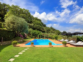 Troghi Villa Sleeps 6 with Pool Air Con and WiFi - 5247621