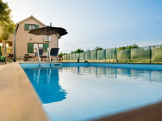 Villa G&P - Holiday Home with Pool