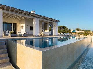 4 bedroom Villa with Pool, Air Con and WiFi - 5248122