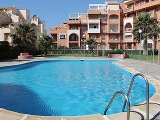 Apartamento entero primera línea playa en la mejor playa de ROQUETAS MAR para 6