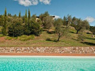 Lucese Villa Sleeps 12 - 5666806
