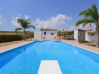3 bedroom Villa with Pool, Air Con and WiFi - 5247430