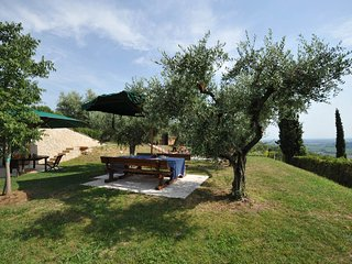 San Pietro in Cariano Villa Sleeps 6 with Pool and WiFi