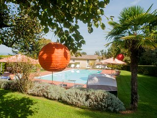 Sant'Andrea di Compito Villa Sleeps 12 with Pool Air Con and WiFi - 5247725