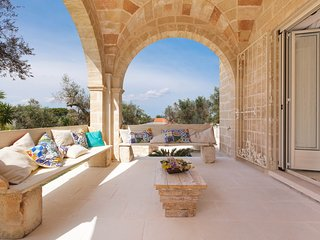 Spagnulo Villa Sleeps 8 with Pool Air Con and WiFi - 5739026