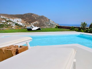 Elia Villa Sleeps 6 with Pool Air Con and WiFi - 5248706