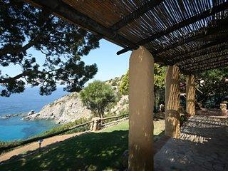 Torre delle Stelle Villa Sleeps 6 with WiFi - 5248047