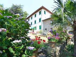 Santa Lucia II Villa Sleeps 12 with Pool Air Con and WiFi - 5310856