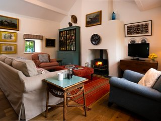 Charming Secluded 3 Bedroom Cottage with large gardens in secluded location