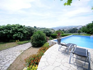 Beautiful VILLA RIVIERA in the heart of Cassis, France (5BDR/10 guests)