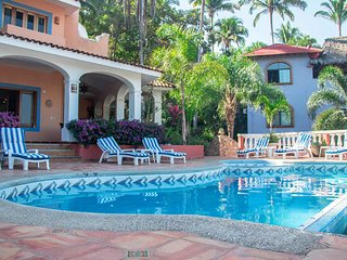 Casa Dona del Mar - Ocean view Villa just 300 feet from the beach! - San Pancho