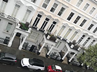 Chic and Tranquil one bed apartment in High street Kensington