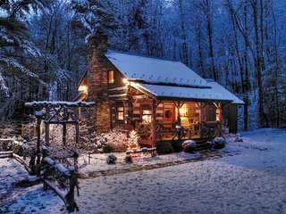 Little Creek - Antique Log Cabin-Near Boone