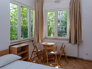3.3 Casa Pasteur- triple studio