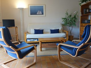 1 bedroom Apartment with WiFi and Walk to Beach & Shops - 5028135