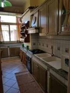la bellissima cucina in muratura e abitabile